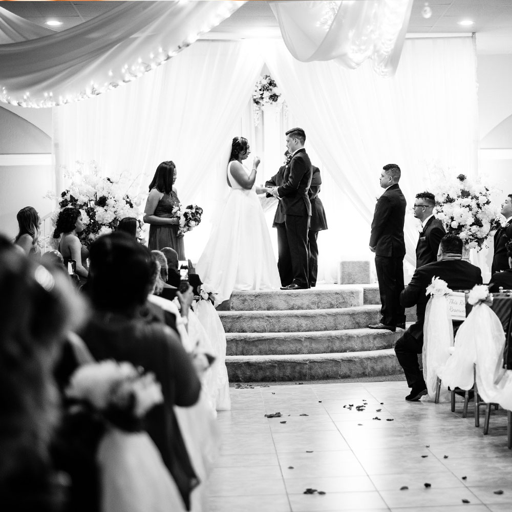 Best Wedding Venues in Arizona Black and White Ceremony