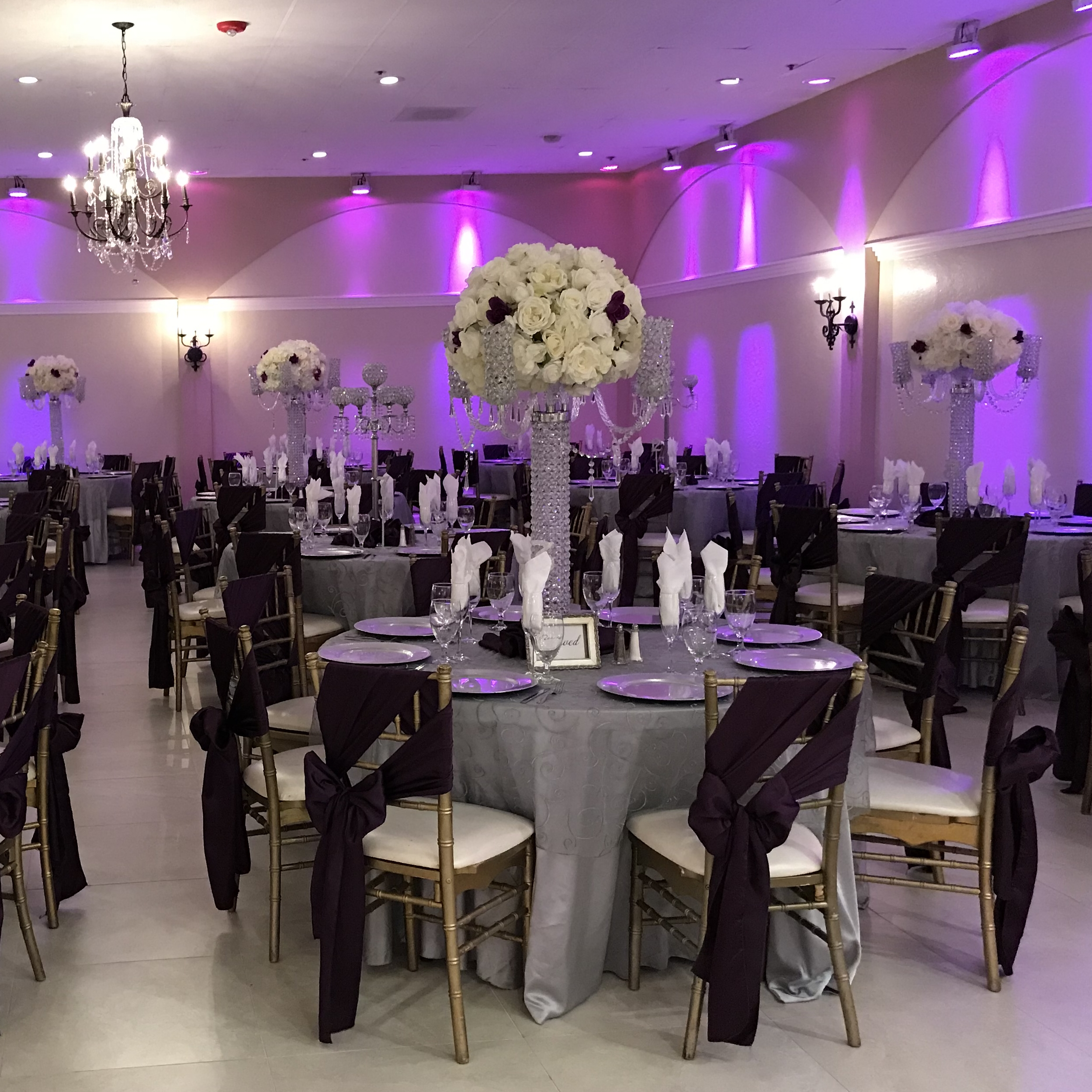 Villa Tuscana Reception Hall in Mesa for Weddings and Quinceanera showing reception hall dining